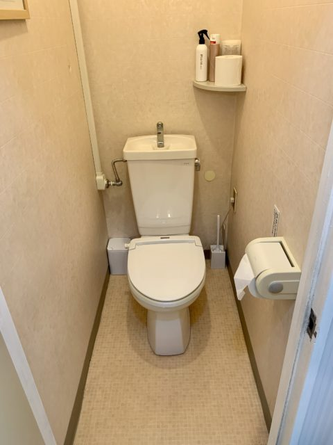 今、触らない全自動トイレが大人気!