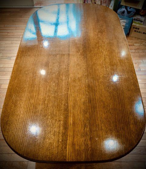 ダイニングテーブルのリペア塗装